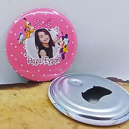 Minnie Doğum Günü Partisi Baskılı Resimli Metal Magnet Açacak 58 mm Doğum Günü Hediyesi